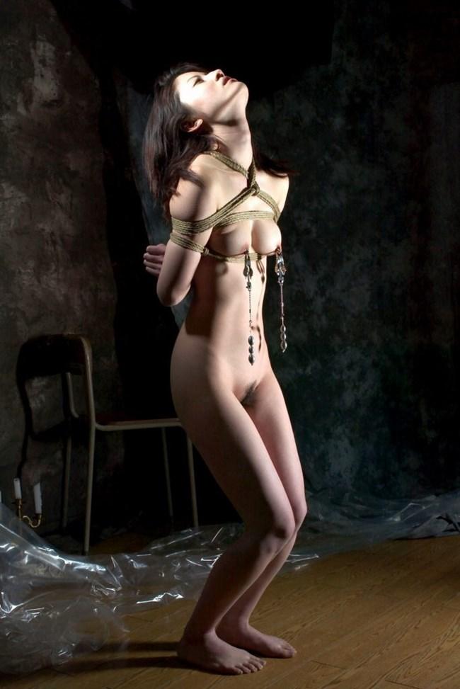 がっつり亀甲縛りや緊縛調教されて喜んでるドM女子wwwwwww0016shikogin