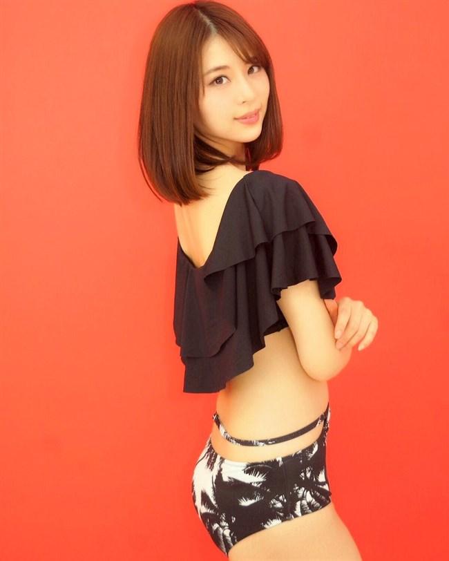 山本成美~モデル、レースクイーンとして活躍している美形お姉さんの水着姿がエロ美しい!0009shikogin