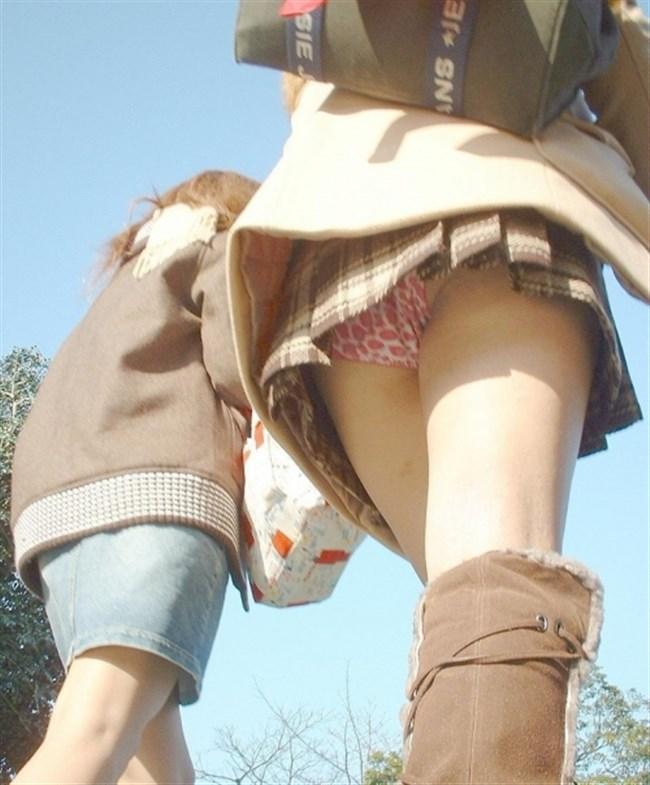 ミニスカ女性をローアングルからパンチラを眺める絶景がこちらwww0003shikogin
