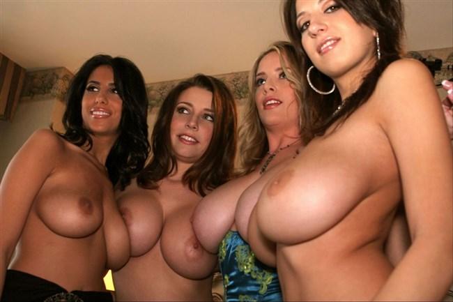 外国人女性のおっぱいやお尻のデカさは異常wwwww0020shikogin
