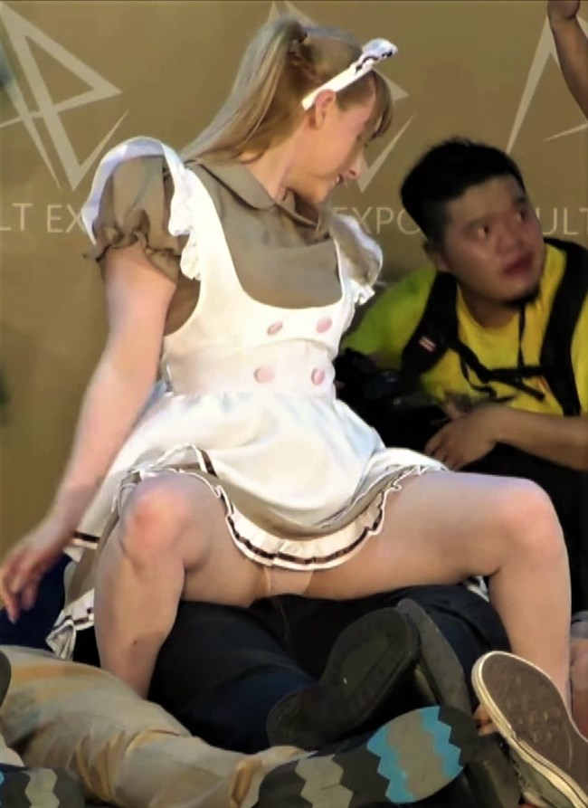 ジェマ[Gemma]~台湾アダルトエキスポにて食い込みパンティー丸見えのエア騎乗位に超興奮!0015shikogin