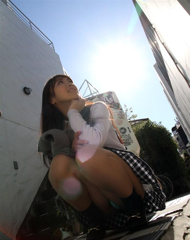 スカート女性がしゃがんで見えるパンツと太もものムチムチ感が格別wwwww0012shikogin