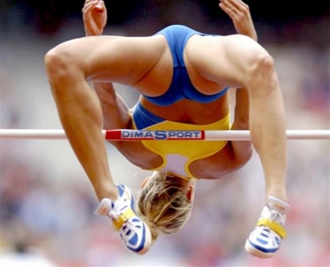 本気でスポーツする女子をいかがわしい目で見る男の視線がこちらwwww0014shikogin