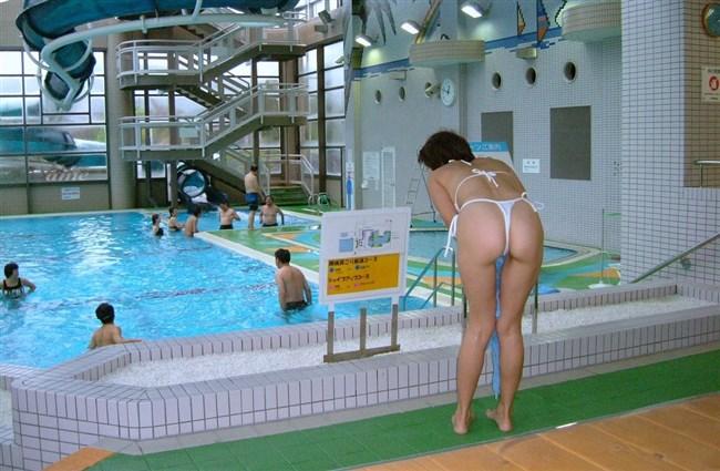 プールやビーチに変態露出水着を着た痴女が出没中wwwwww0006shikogin