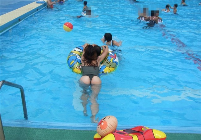 プールやビーチに変態露出水着を着た痴女が出没中wwwwww0007shikogin