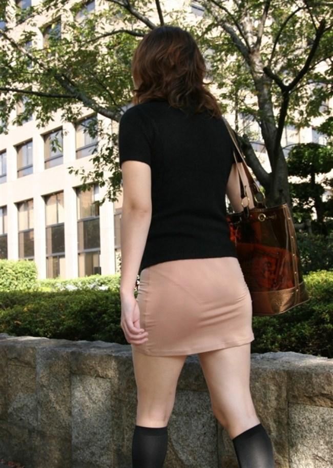 お尻がムチムチ過ぎてパンツが透けちゃってる光景wwwwww0011shikogin