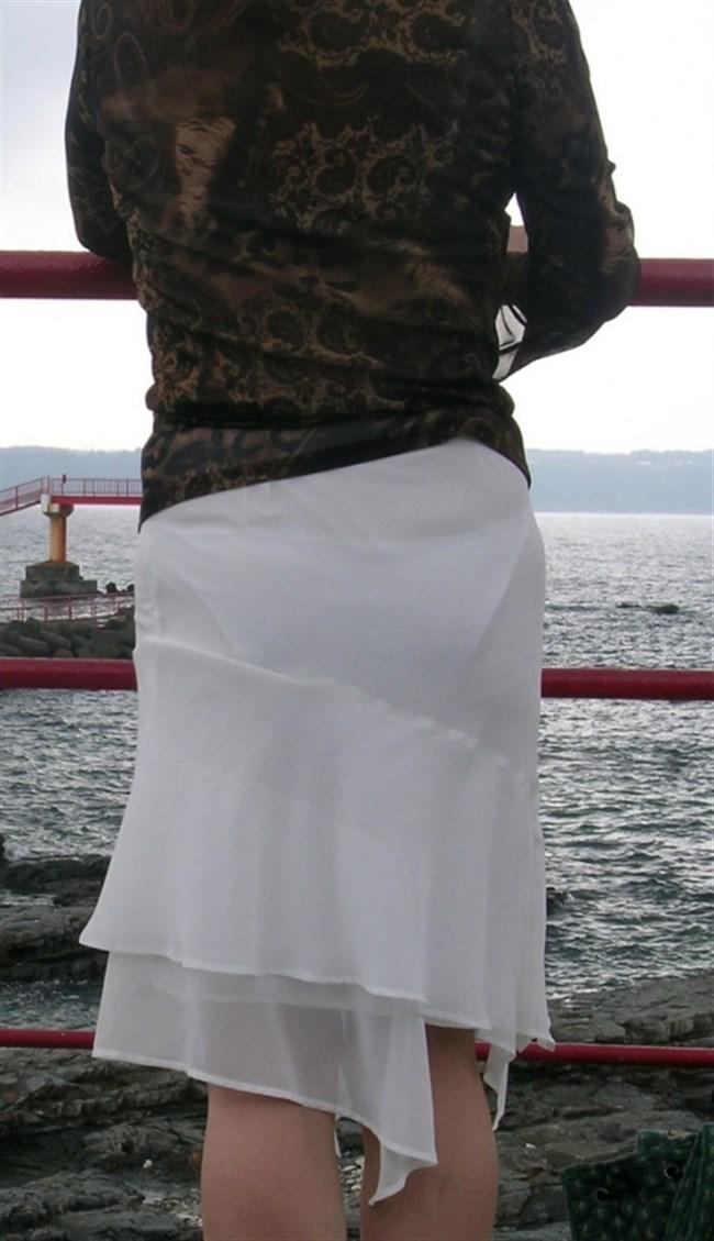 お尻がムチムチ過ぎてパンツが透けちゃってる光景wwwwww0015shikogin