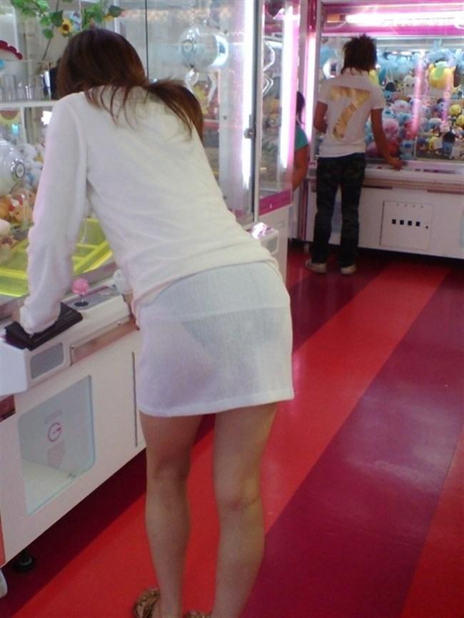 お尻がムチムチ過ぎてパンツが透けちゃってる光景wwwwww0018shikogin