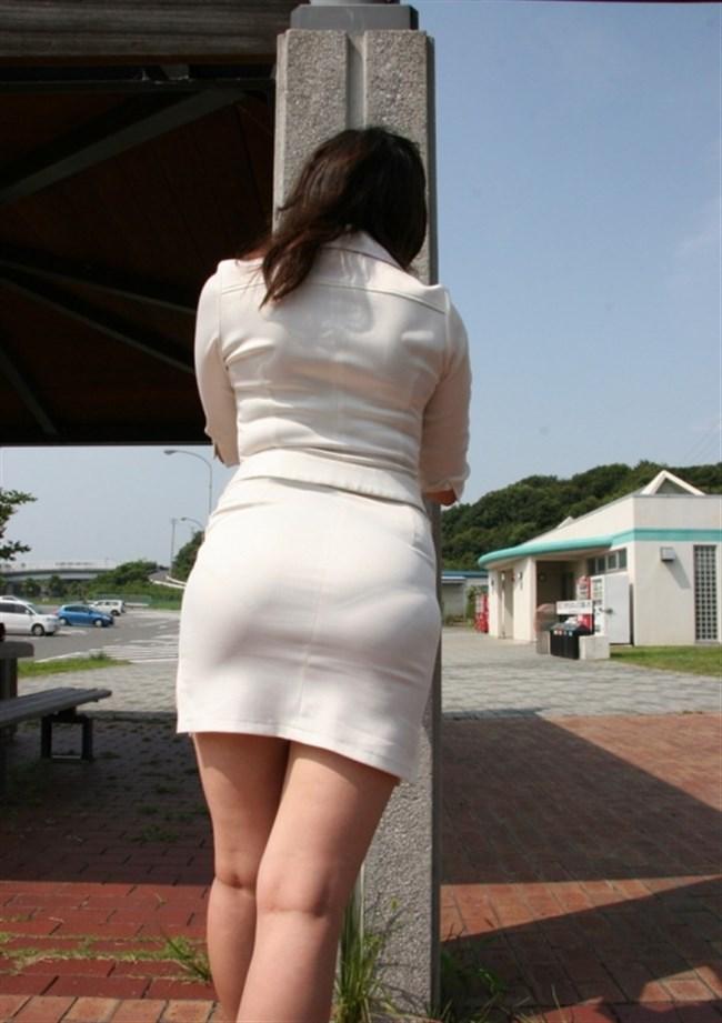 お尻がムチムチ過ぎてパンツが透けちゃってる光景wwwwww0004shikogin