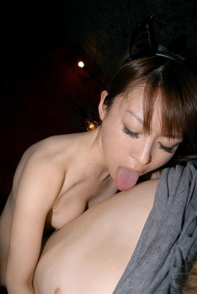 男の乳首を舌で転がして表情を楽しむ愛撫好きなお姉さんすこwwwww0002shikogin