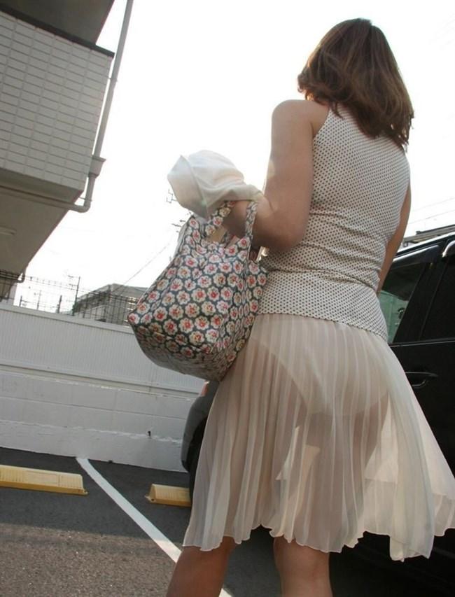 スカート生地が薄くて下着が丸見えなお姉さんwwwwww0002shikogin