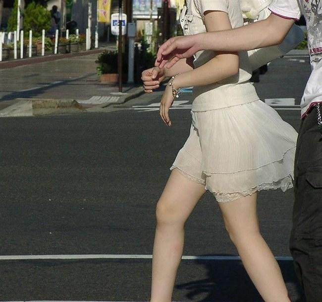 スカート生地が薄くて下着が丸見えなお姉さんwwwwww0010shikogin