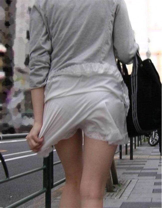 スカート生地が薄くて下着が丸見えなお姉さんwwwwww0020shikogin