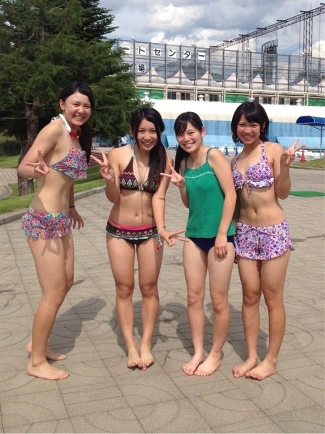 真夏のビーチではしゃぐ水着女性が性的過ぎてwwwwww0023shikogin