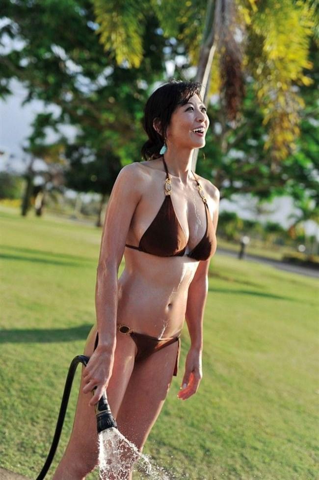 中島史恵~50歳にして水着グラビアでの完璧ボディーは凄い!まるでサイボーグのよう!0006shikogin