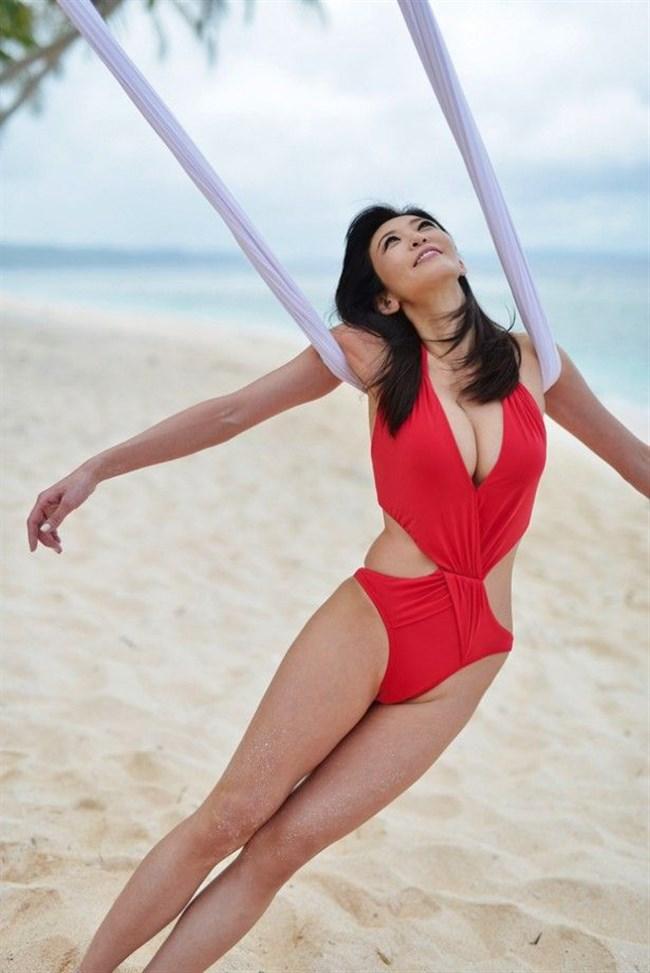 中島史恵~50歳にして水着グラビアでの完璧ボディーは凄い!まるでサイボーグのよう!0009shikogin