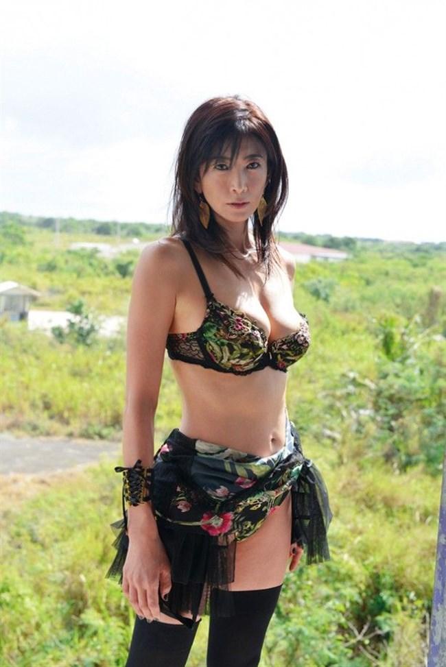 中島史恵~50歳にして水着グラビアでの完璧ボディーは凄い!まるでサイボーグのよう!0010shikogin