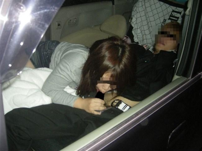ドライブ中に発情してしまい、そのまま車の中で始めてしまうカップルwwwww0005shikogin