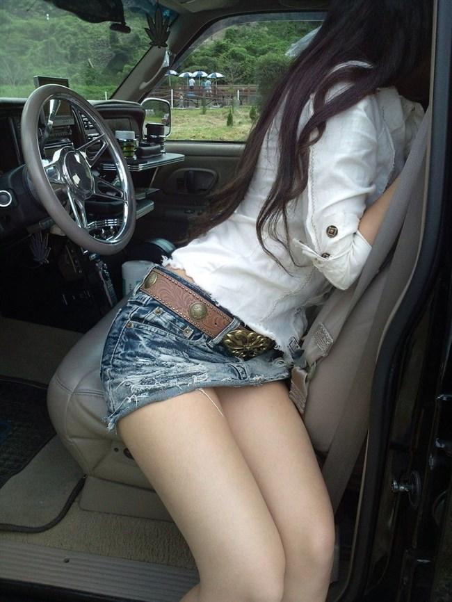 ドライブ中に発情してしまい、そのまま車の中で始めてしまうカップルwwwww0012shikogin