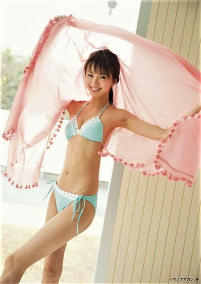岡崎紗絵~現役人気モデルの週刊ヤンマガの水着グラビアがエロ過ぎてヤバい!0008shikogin