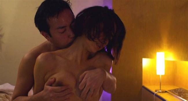 河井青葉~ナマ乳を揉まれ喘いでいる映画の濡れ場が本気モードでAVのようだ!0009shikogin