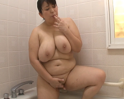ムッチリ巨乳熟女とセックスムービー