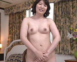 エッチビデオで熟女がパンストセックス