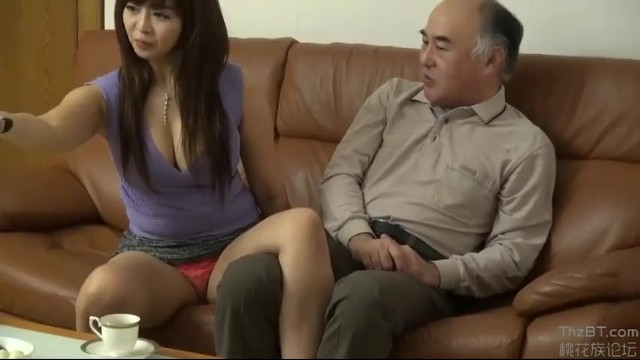 【おっぱい】爆乳でぽっちゃりの熟女おばさん、KAORIのベロチュー騎乗位セックス無料エロ動画!【誘惑動画】