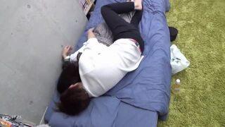 スレンダー黒髪ロングなOLの、sexクンニ乳首舐め無料H動画。【OL動画】