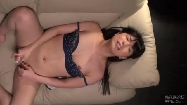 【変態】純粋な美少女の、顔射ぶっかけフェラ抜き無料エロ動画。【ごっくん、口内射精動画】