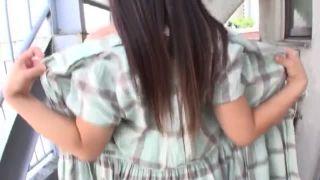 路地にて、パイパンでロリのJSの、膣内射精いたずら騙し無料エロ動画。【JS動画】