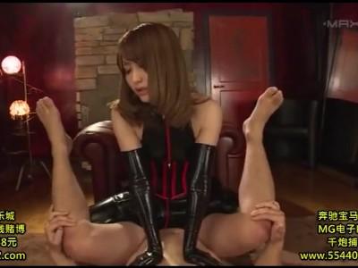 美人な巨尻で巨乳でボンテージの痴女お姉さんの、M男コスプレ無料動画!【痴女、お姉さん動画】