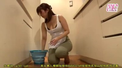 【ヤバイやつ】巨乳の家政婦お姉さんの、夜這い乳首舐め無料エロ動画!【家政婦、お姉さん動画】