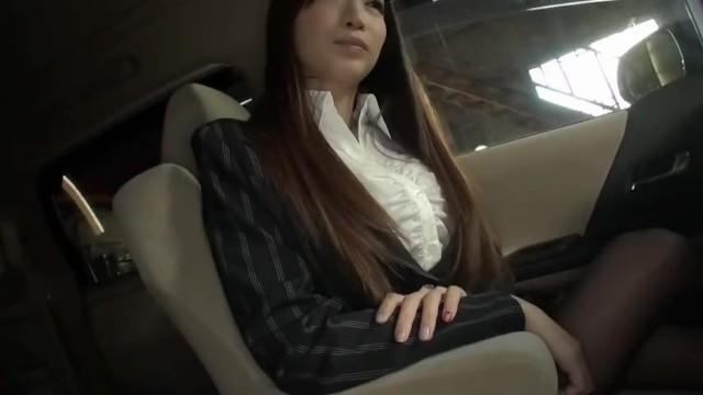 美人スレンダーなパンスト姿のOL、蓮実クレア(安達亜美)の手コキフェラ騎乗位無料H動画。【蓮実クレア(安達亜美)動画】