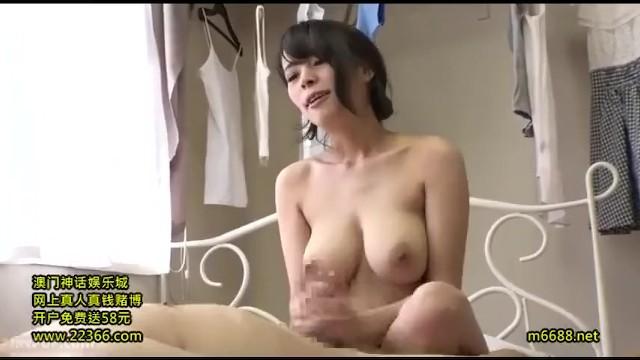 卑猥汗だくな巨乳の美女痴女の、素股顔面騎乗誘惑無料動画。【アナル舐め、M男、パイズリ動画】