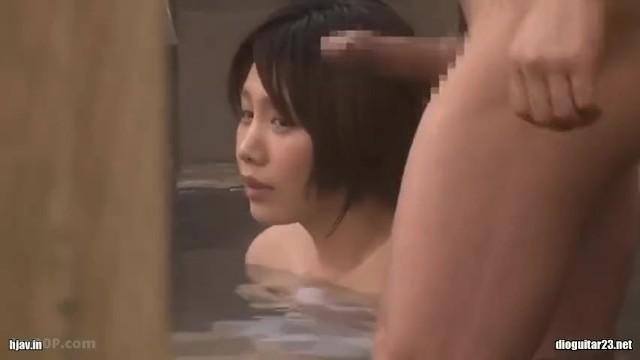 男湯にて、巨乳の人妻の、寝取られ無料動画!【人妻動画】