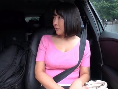 ラブホにて、淫乱なデカパイの女性の、ハメ撮り無料エロ動画!