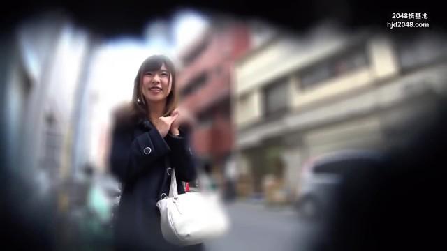 【奥様】スレンダーでHな巨乳の奥様痴女の、フェラ浮気中出しプレイ動画!!エロい体してます!