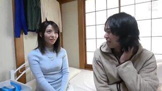 【素人】貧乳の素人人妻の、筆おろしベロチュープレイエロ動画!【エロ動画】