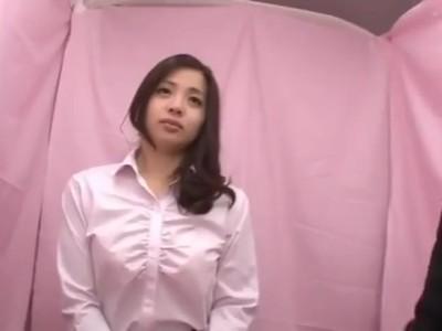 【素人セックス】着衣の素人OLの、セックス手コキプレイエロ動画。