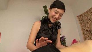 【古川いおり】黒髪スレンダースケベな痴女風俗嬢、古川いおりのM男フェラSMプレイエロ動画!スラっとしてて美しい…!【エロ動画】
