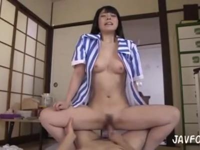【上原亜衣フェラ】巨乳の、上原亜衣のフェラ中出しプレイエロ動画!