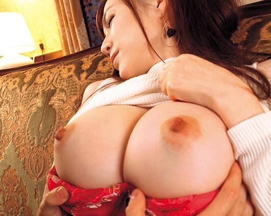 【すみれ美香アクメ】スレンダー淫乱なHな爆乳の美少女の、すみれ美香のアクメプレイがエロい!!