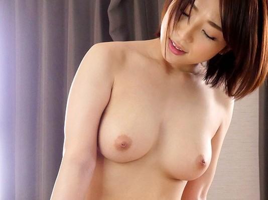 セクシーな巨乳のお姉さんの、中出し手コキフェラ無料H動画!【寝取られ、生挿入動画】