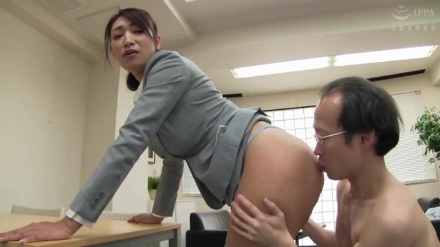 長身な巨乳のOL女社長、小早川怜子のぶっかけ無料動画!【小早川怜子動画】