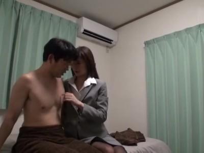 【風俗】美人なOL、神波多一花のセックス中出し素股無料H動画。【神波多一花動画】