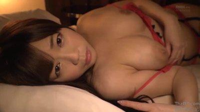 妖艶スレンダーな巨乳でランジェリー姿の美女アイドル、羽咲みはるのイメージ無料H動画!【羽咲みはる動画】