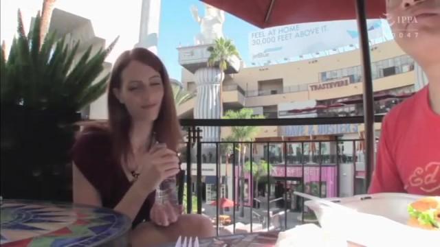 【外国人】スレンダー色白な素人白人の、フェラ無料エロ動画!【素人、白人、美女、人妻動画】