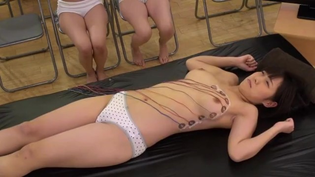 スレンダーなロリのJK女子校生の、イタズラ健康診断無料エロ動画!【JK、女子校生動画】