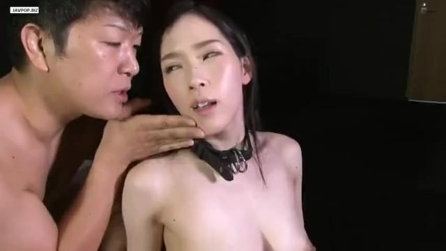 スレンダーな巨乳の性奴隷美女の、奴隷調教無料エロ動画!【性奴隷、美女動画】